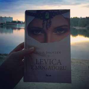 Julia Drosten - Levica z Mogadoru